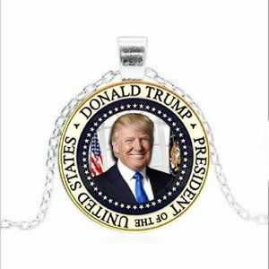 Jewelry - President Donald Trump Presidential Seal Necklace